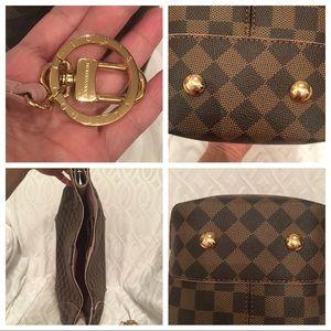 Louis Vuitton Bags - Louis Vuitton caissa hobo w/ wallet